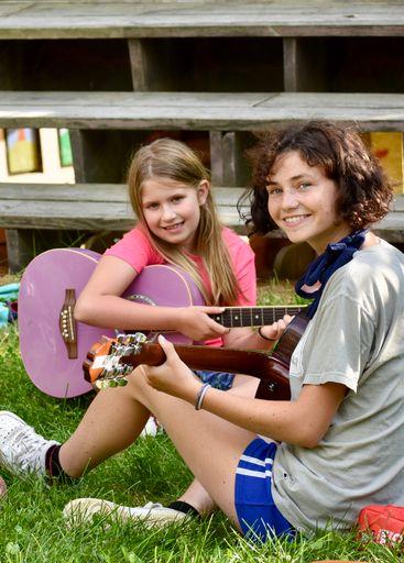Emma Guitar
